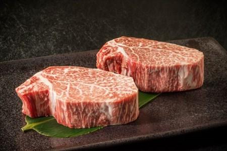2つ並んだヒレステーキ用の肉