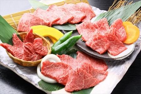 皿に盛られた宮崎牛
